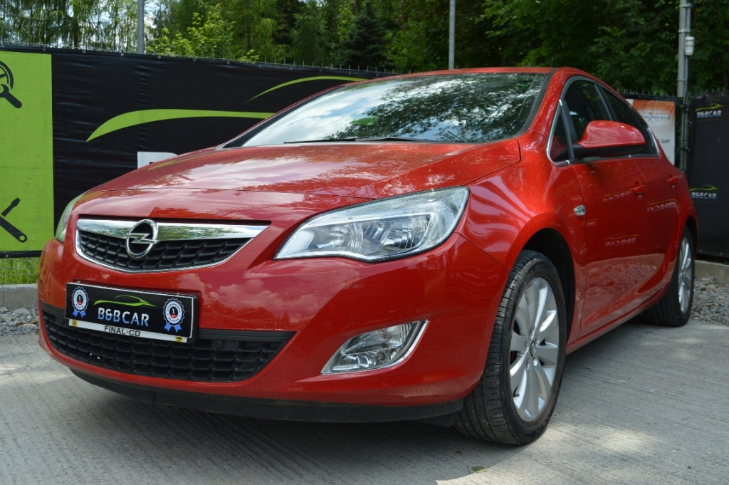 Opel Astra 1.4 Turbo 140k Cosmo