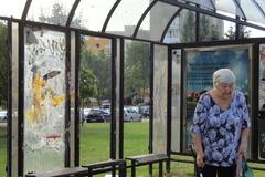 Vandali dôchodcom demolujú zastávku