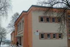 Prasknuté potrubie zavrelo v Rajeckých Tepliciach školu
