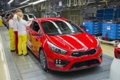 Kia začne s elektrifikáciou automobilov. Do závodu prijme desiatky zahraničných zamestnancov