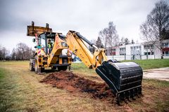 Na Varšavskej sa začalo s revitalizáciou športového areálu