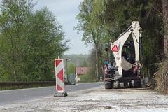 V Turzovke opravujú oporný múr, ktorý vo februári poškodil rozvodnený potok. Práce ukončia v lete