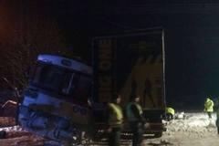 Pri Čadci sa zrazilo nákladné auto s osobným vlakom. Zranených je okolo 7 ľudí