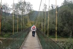 V Brodne strhli lávku pre peších, na jej mieste stavajú novú za pol milióna eur