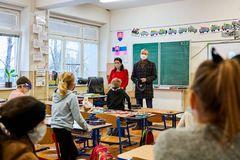 Primátor Peter  Fiabáne: Ak nebudeme zodpovední, tak pozitívne prípady v školách budú pribúdať
