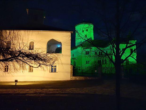 Na Deň sv. Patrika - patróna Írska svietil hrad na zeleno.