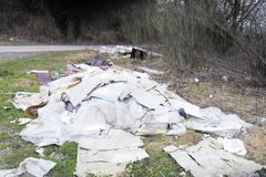Považský Chlmec znečisťujú odpady od podnikateľov