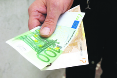Po Žiline sa pohybuje podvodník, ktorý pýta peniaze