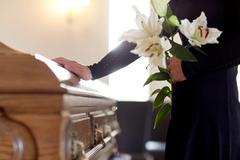 Pozostalým na pohreboch chýba slovo útechy