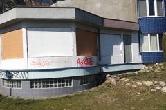 Žilinčania zadebnili budovu, ktorá roky mátala obyvateľov Vlčiniec, FOTO
