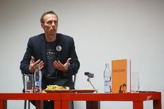Marek Vagovič na diskusii v Žiline: Čítať opakovane o tom, ako vrah zabije Jána a Martinu, je naozaj náročné