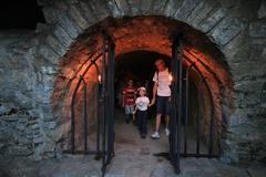 Zažite atmosféru hradu Strečno v noci