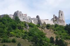 Žilinská spoločnosť SOAR pomohla zachrániť Čachtický hrad