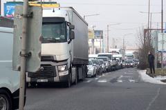 Autodopravcovia vyhlásili ďalšiu ostrú blokáciu. Štrajkujú aj v Žiline