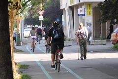 Cyklisti sa môžu tešiť na nové stojany a cyklopumpu. Aj vy môžete rozhodnúť, kde budú osadené!