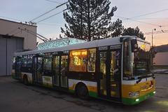 Do žilinských ulíc vyrazil vianočný trolejbus. Pozrite sa, ako vyzdobili jeho interiér, FOTO