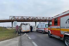 Cesta poza Kiu je neprejazdná z dôvodu dopravnej nehody, FOTO