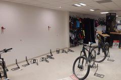 Vyrabovaný obchod: z predajne v Tepličke zmizli bicykle aj ďalší tovar, ODMENA