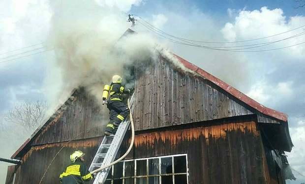 Rozsiahly požiar humna zasiahol rodinný dom