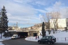 Uzatvoria viadukt, jeden z kľúčových vjazdov do mesta