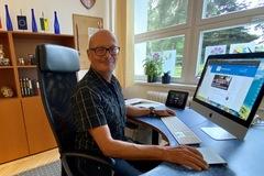 Riaditeľ základnej školy Ján Kotman: Učitelia musia byť pripravení aj dnes vzdelávať dištančne