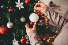 Trendom Vianoc je biela. Akú výzdobu preferujú Žilinčania?