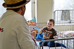 Zdravotní klauni rozdávali lásku deťom v nemocnici