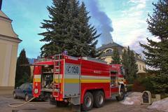 Pri celulózke horel hotel, požiar sa šíril od sauny