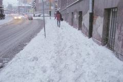 Namrznuté chodníky? Oniektoré sa majú starať ich vlastníci