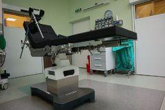 Na žilinskej ortopédii majú nový operačný stôl. Zlepší prístup k pacientovi aj jeho polohovanie