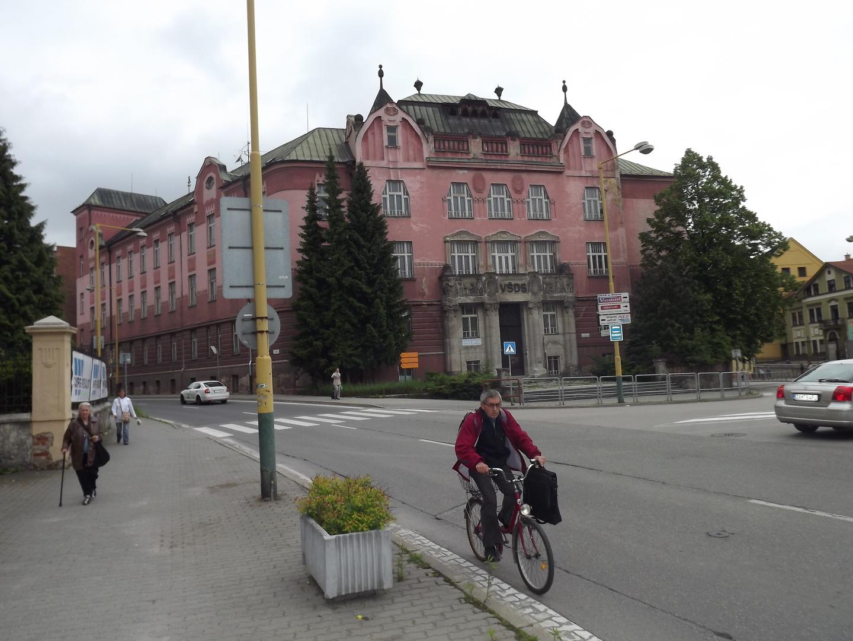 22e36b133 ŽILINA. Nádherná historická budova postavená na začiatku 20. storočia v  secesnom štýle, situovaná na rohu Hurbanovej a Legionárskej ulice, ...