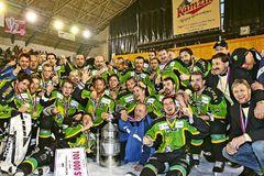 Čomu sa venujú  zlatí hokejoví chlapci? Po štrnástich rokoch sú z nich  tréneri aj podnikatelia