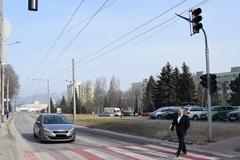 Nový semafor na sídlisku Vlčince zvýši bezpečnosť chodcov