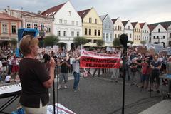 Tisícpäťsto Žilinčanov pochodovalo proti korupcii