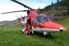 V Zliechove sa vážne zranil cyklista (62): Ratoval ho žilinský vrtuľník