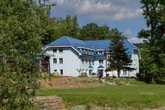 Známy modrý domček pomáha už 15 rokov drogovo závislým