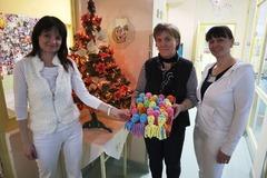 Dobrovoľníci zo psychiatrického oddelenia vyrobili chobotničky pre predčasne narodené deti
