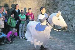 Počas nočnej prehliadky na hrad Strečno zavítala mýtická bytosť