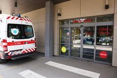 Pacient udrel sanitárku päsťou do tváre. Nemocnica podala trestné oznámenie