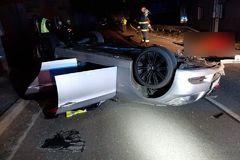Nočná tragédia na Orave: pri dopravnej nehode zahynulo mladé dievča, FOTO