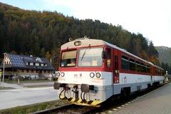 Na trati Žilina - Rajec bude v týždni viacero výluk: Povezieme sa autobusom