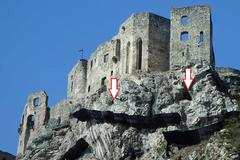 Raj pre speleológov: pod hradom Strečno sa nachádza 11 jaskýň, väčšina je dnes už neprístupná