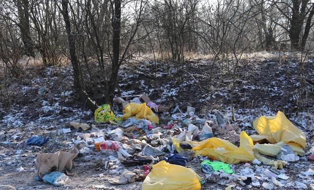Príroda ako smetisko: skládky pribúdajú aj na Hradisku
