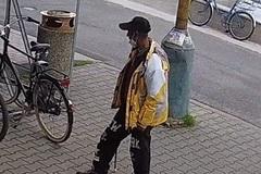 Polícia pátra po zlodejovi bicykla. Nie je vám táto osoba povedomá?