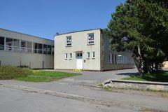 Školu na Hollého od septembra neotvoria, žiakov rozdelia inam