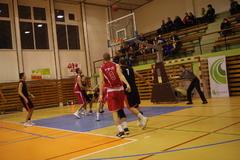 Striedavé úspechy basketbalistov