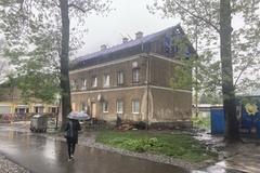 Po splnení podmienok pridelili dvom rodinám zo zhorenej bytovky nájomné byty