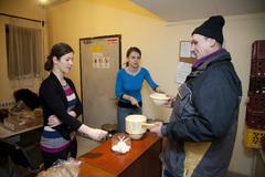 Navarme spolu polievku  pre bezdomovcov!