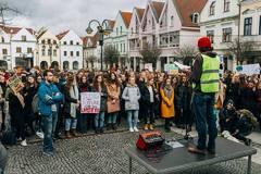 Na zlú klímu apelujú aj žilinskí študenti. Radnicu vyzývajú k aktivite