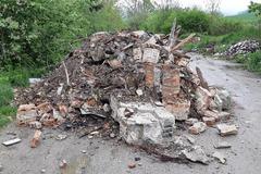 Pri Strečne sa niekto nelegálne zbavil veľkého množstva stavebného odpadu
